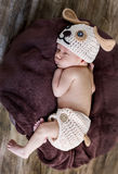 Cute newborn baby sleeps in a knitted hat Stock Photos