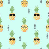 Cute pineapple seamless pattern. Vector summer background Royalty Free Stock Photos