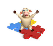 cute Sheep cartoon character with puzzle Royalty Free Stock Photos