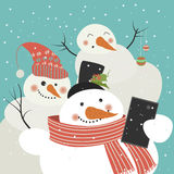 Cute snowmen take a selfie. Vector illustration Royalty Free Stock Photos