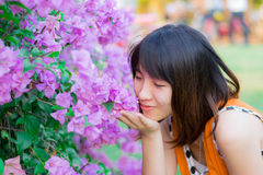 Cute Thai girl scent a purple Kertas Stock Photography
