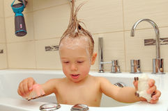 Cute toddler in the bath Royalty Free Stock Photos