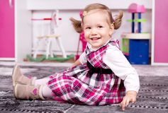 Cute young girl smiling Royalty Free Stock Images