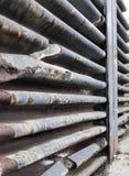 Cuteduo stukken van het plafond van een oude onderzeese bunker in st Stock Fotografie