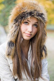 Cuteness in cappello di pelliccia. fotografia stock