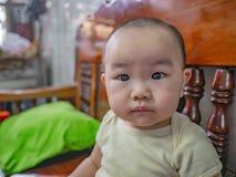 Cutie和英俊的亚裔男孩画象照片  图库摄影
