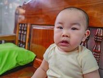 Cutie和英俊的亚裔男孩画象照片  免版税图库摄影