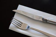 Cutlery i pielucha Zdjęcia Royalty Free