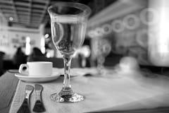 Cutlery na stole Fotografia Stock