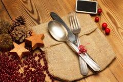 Cutlery ustawiający dla boże narodzenie gościa restauracji Zdjęcia Stock