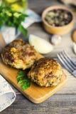 Cutlets χοιρινού κρέατος με τα πράσινα στοκ εικόνες