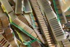 Cutted kontakter från bräden för utskrivaven strömkrets royaltyfri fotografi