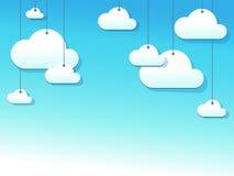 Cuttedwolken op koorden Stock Foto's