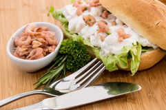 Cutting-Board with roll and Shrimps Royalty Free Stock Photo