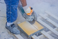 Cutting Pavers 4 Royalty Free Stock Images