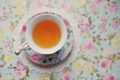 Cuvette avec du thé Photos libres de droits