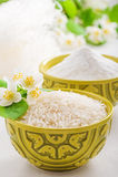 Cuvette avec le jasmin de riz Images libres de droits