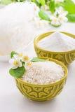Cuvette avec le jasmin de riz Photo libre de droits