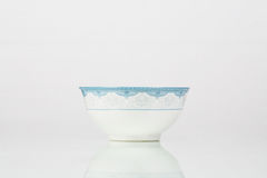 Cuvette bleue et blanche de porcelaine Photo stock