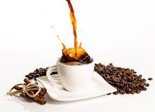 Cuvette d'éclaboussure de café Images libres de droits