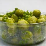 Cuvette de becs d'ancre et de légumes frais cuits à la vapeur Photographie stock libre de droits