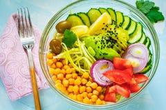 Cuvette de Bouddha - pâtes de courgette, déjeuner de vegan Photo stock