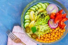 Cuvette de Bouddha - pâtes de courgette, déjeuner de vegan Photographie stock