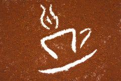 Cuvette de café avec de la fumée Image libre de droits