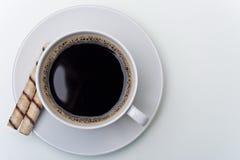 Cuvette de café avec des biscuits Images stock