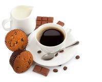 Cuvette de café avec du lait Photographie stock libre de droits