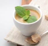Cuvette de café blanc images libres de droits