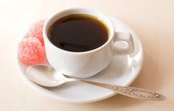 Cuvette de café blanche photographie stock libre de droits