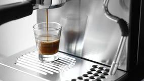 Cuvette de café chaud de café express banque de vidéos