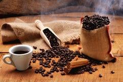 Cuvette de café chaude photo stock