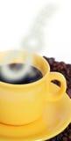 Cuvette de café chaude avec de la fumée Photos libres de droits