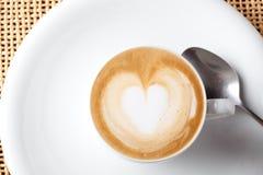 Cuvette de café de cappuccino Photographie stock libre de droits