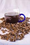 Cuvette de café et d'haricots images libres de droits