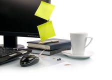 Cuvette de café et d'ordinateur image stock