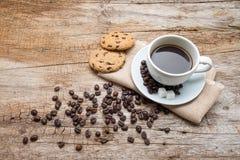 Cuvette de café et de biscuits Photos libres de droits