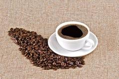 Cuvette de café et de grains de café photo libre de droits