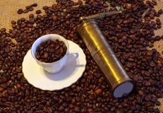 Cuvette de café et de moulin à café Photos libres de droits