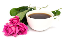 Cuvette de café et de roses Photo stock