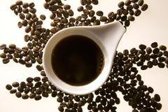 Cuvette de café et grains de café 2 Photos libres de droits