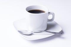 Cuvette de café noir frais Image stock