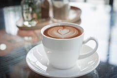 Cuvette de café sur la table en bois Photos libres de droits