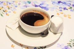Cuvette de caf? noir image libre de droits