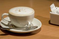 Cuvette de cappuccino Photos libres de droits