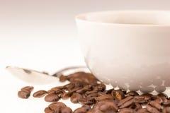 Cuvette de Coffe avec des haricots de coffe Images stock