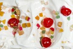 cuvette de crème glacée avec de diverses saveurs photo stock