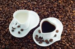 Cuvette de cuvette de lait et de café Photos libres de droits